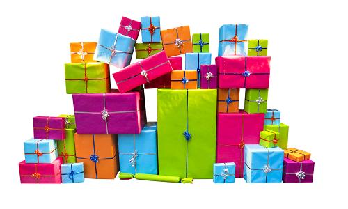 Geschenke-Stapel mit Geschenkpapier in orange, pink, lila, blau, grün